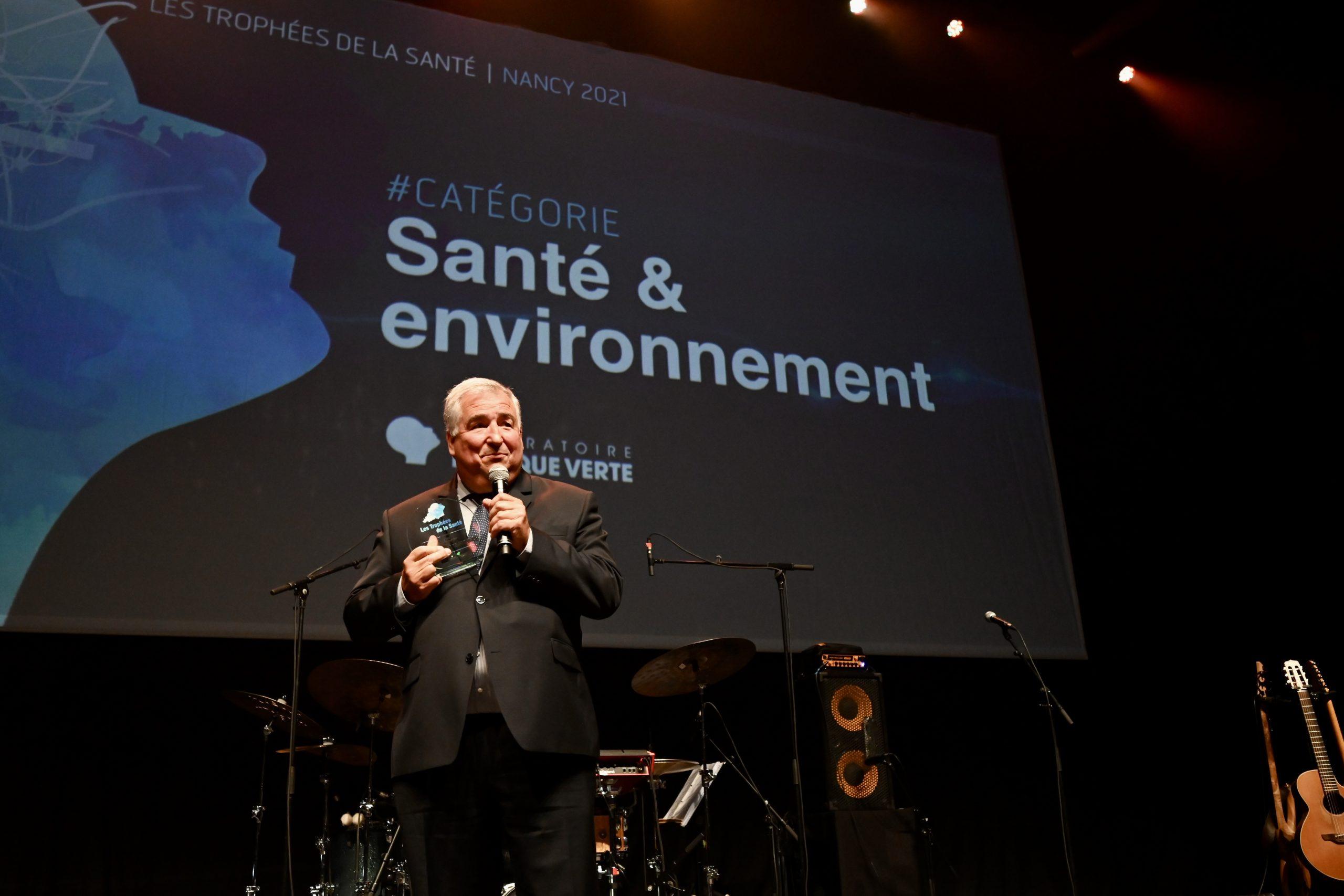 Jean-Paul Fèvre lors de la remise du prix le 26 août 2021 sur la scène du Zénith de Nancy.